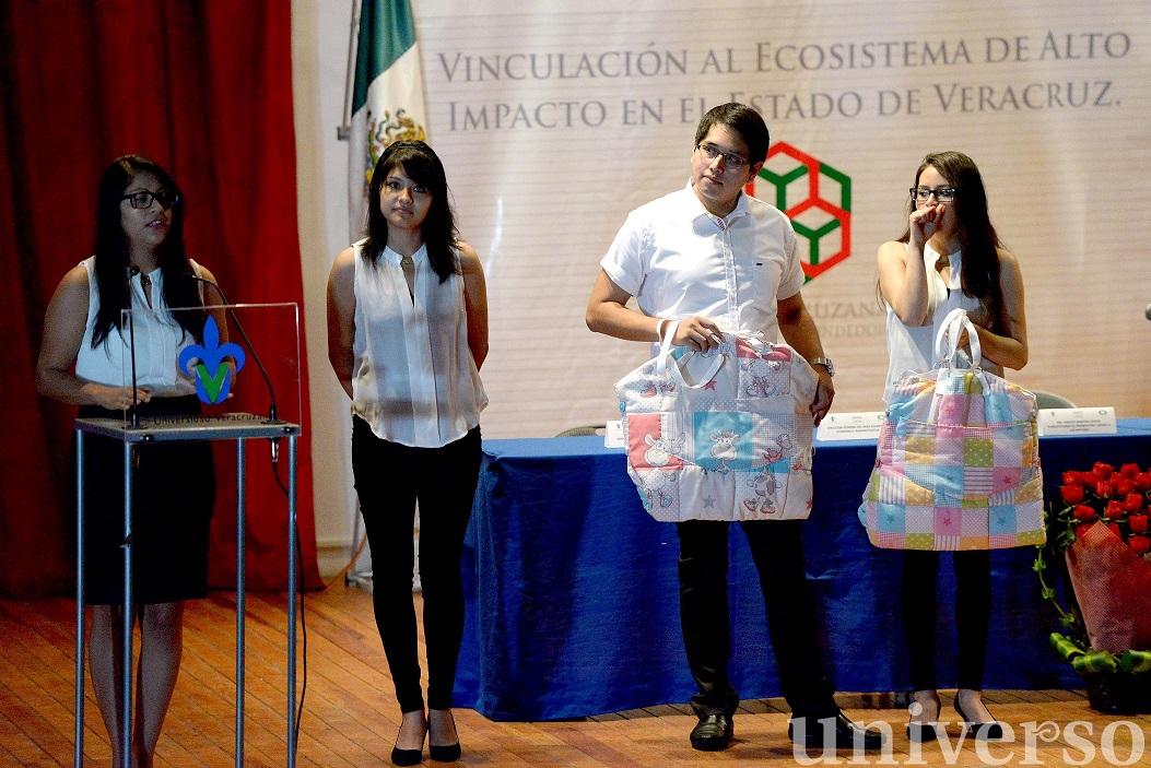 Universitarios expusieron proyectos de desarrollo empresarial