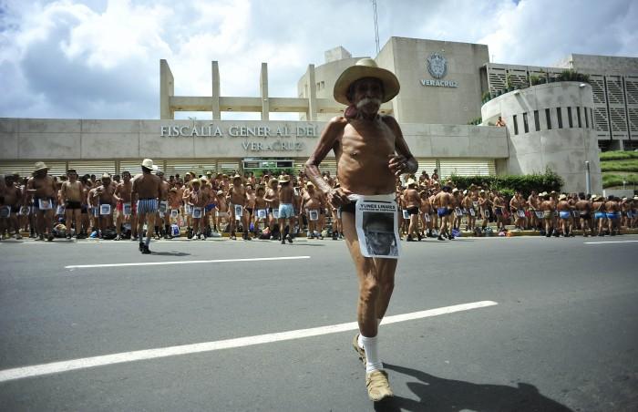 Duarte daba 40 mdp anuales a líder de los 400 pueblos por manifestarse