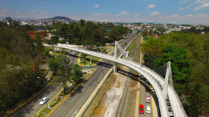 Inauguran puente ciclopeatonal