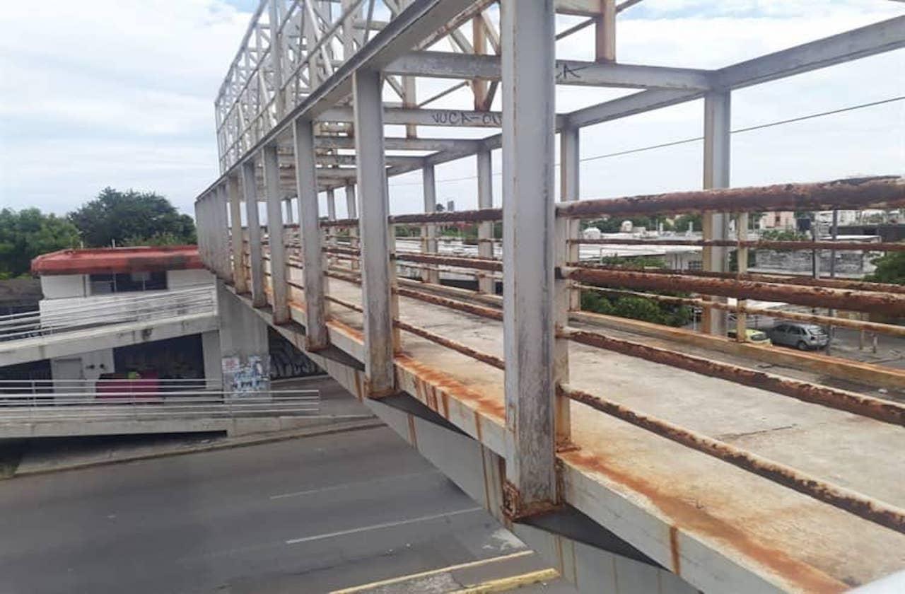 Puente peatonales ponen en riesgo a ciudadanos jarochos