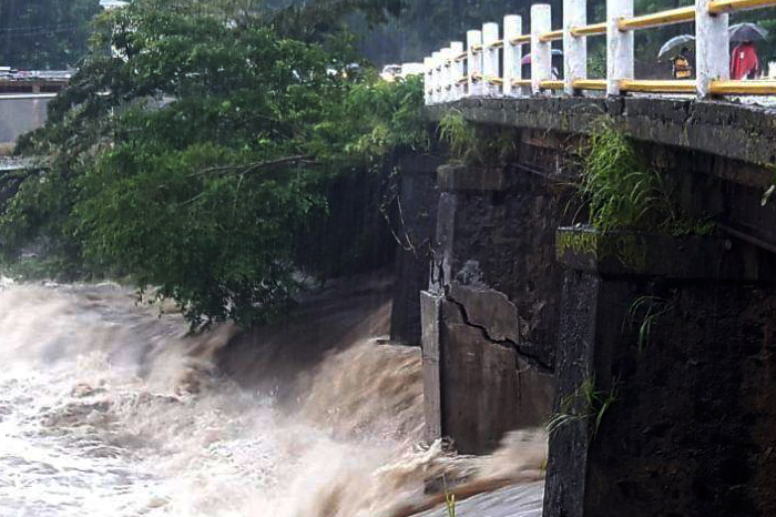 Santiago Tuxtla: puente tardó más en rehabilitarse que en volverse a fracturar