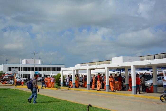 Desalojan Petroquímica Mexicana de Vinilo por amenaza de bomba
