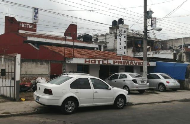 Rescatan a 2 menores de un hotel en Xalapa