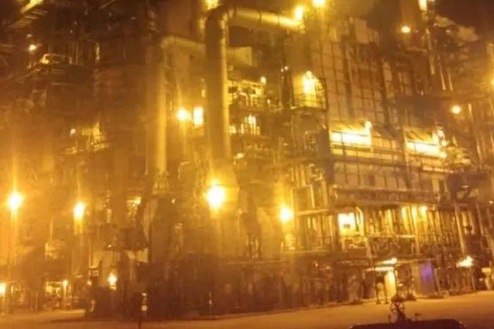 Se registra fuerte incendio en refinería de Minatitlán, fue controlado
