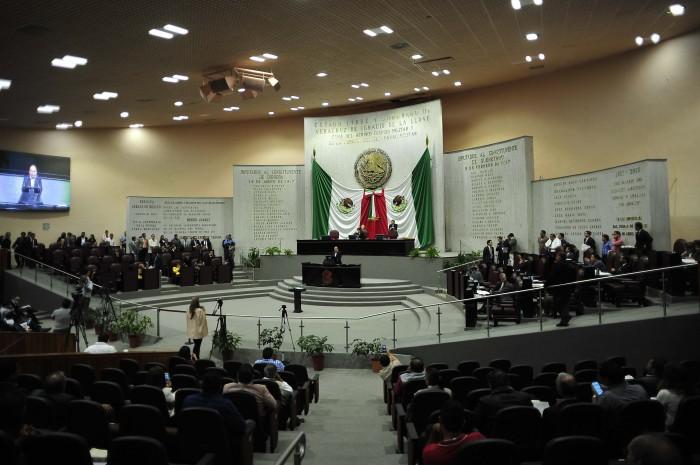 Legislatura desecha dictamen de reducción de regidurías en Veracruz