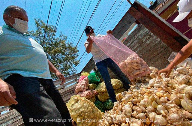 Regresa campaña consumo solidario, productores de ajo visitaron Xalapa