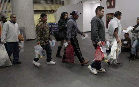 En EU nos acosan, nos 'cazan': historias de repatriados