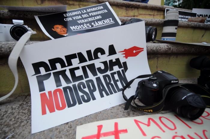 Desconfían periodistas en convenio firmado para su protección