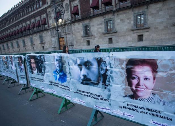 Para periodistas en México el asesinato, autocensura o el exilio es la regla