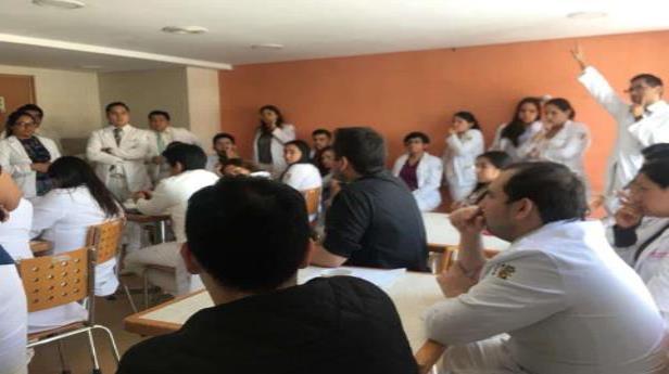 Médicos residentes dan ultimátum a la Secretaría de Salud