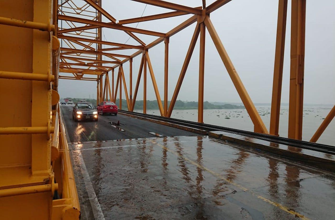Restringirán paso por reparación de puente Coatza I