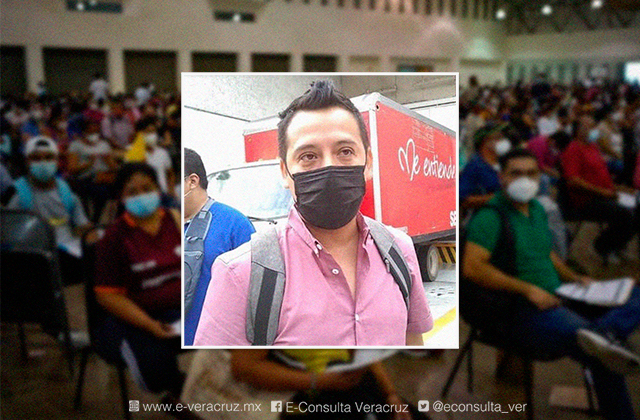 Ricardo graba vídeos para dar clases a distancia durante pandemia