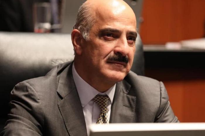 Ahued presentará licencia al Senado, AMLO lo invita a administrar aduanas