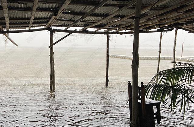 En el sur, río Tonalá está por desbordarse e izan bandera roja