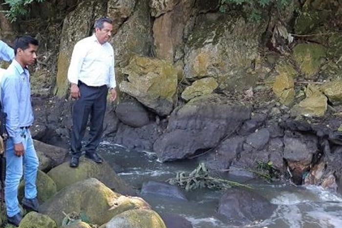 Aseguran que socavón en Amatlán está secando el río Tepachero