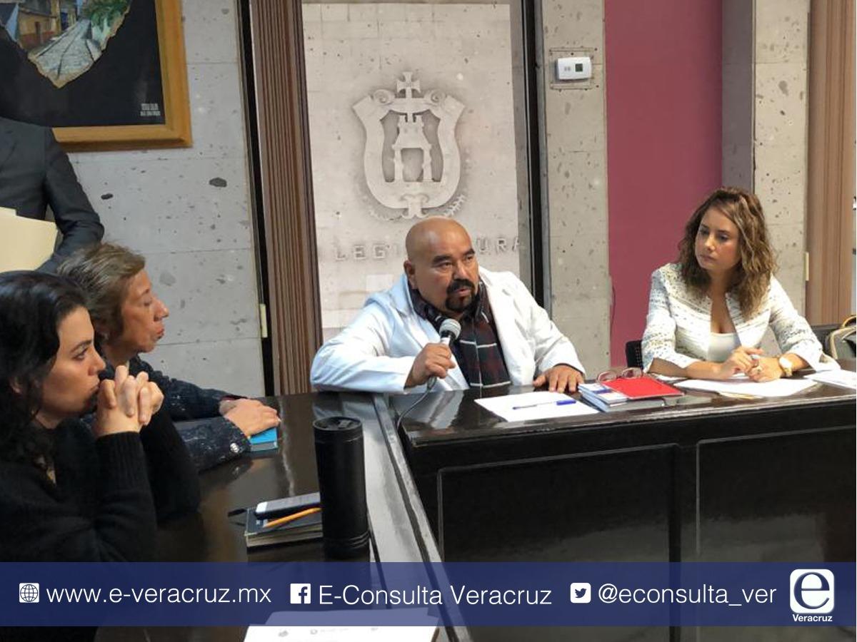 Gobierno de Cuitláhuac asignará plazas en sector Salud este 2019