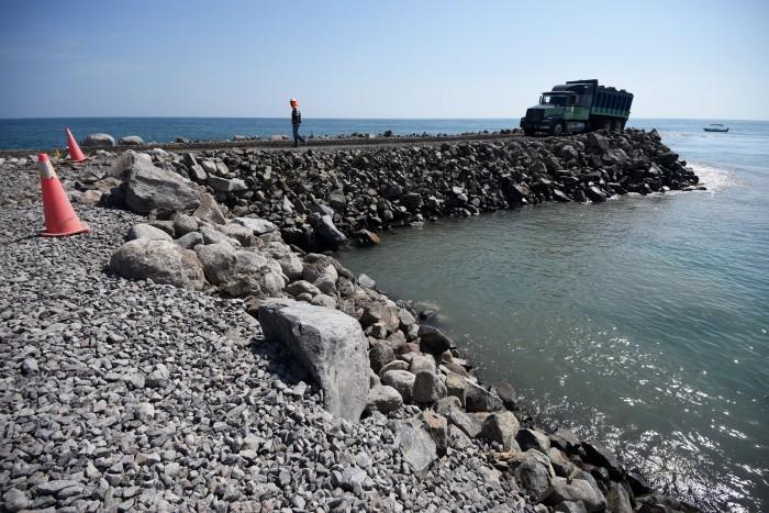Tres municipios aportarán la roca para la ampliación del puerto