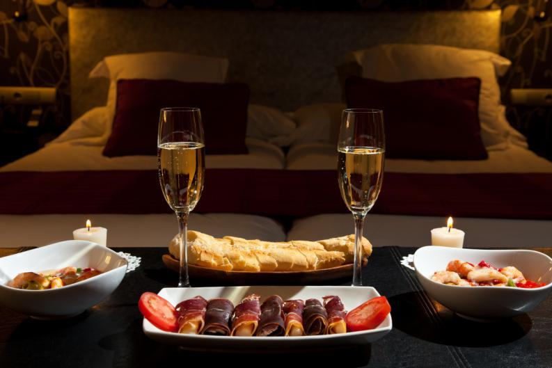 Cita romántica hogareña, ideal para darle calor a tu relación en invierno