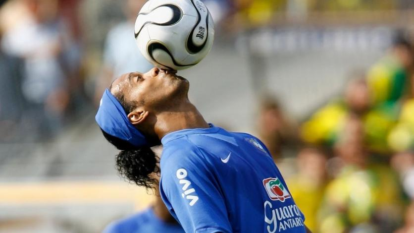 Ronaldinho jugará en la cancha del Luis