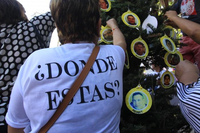 Veracruz: el árbol de Navidad con los rostros de desaparecidos