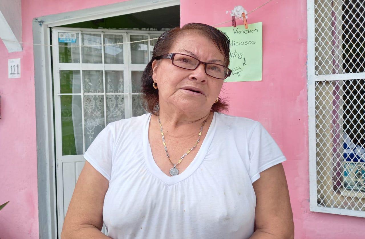 Rosita se quedó sin ahorros; cumple 1 año sin propinas como empacadora