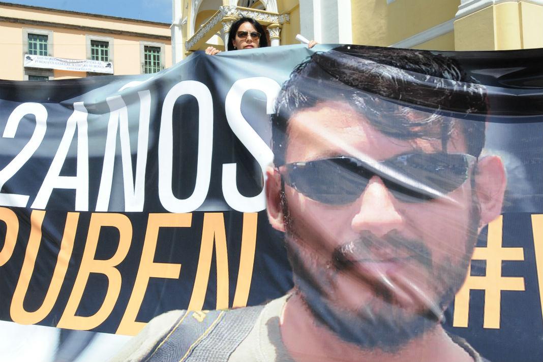 Investigaciones de asesinato a Rubén Espinosa han sido omisas: ONG