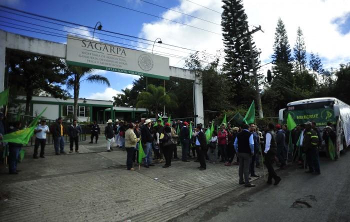 Campesinos reclaman a Sagarpa por desaparecer órdenes de pago