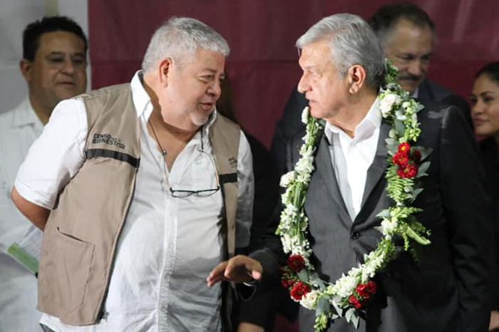 AMLO investigará sueldo de superdelegado en Veracruz