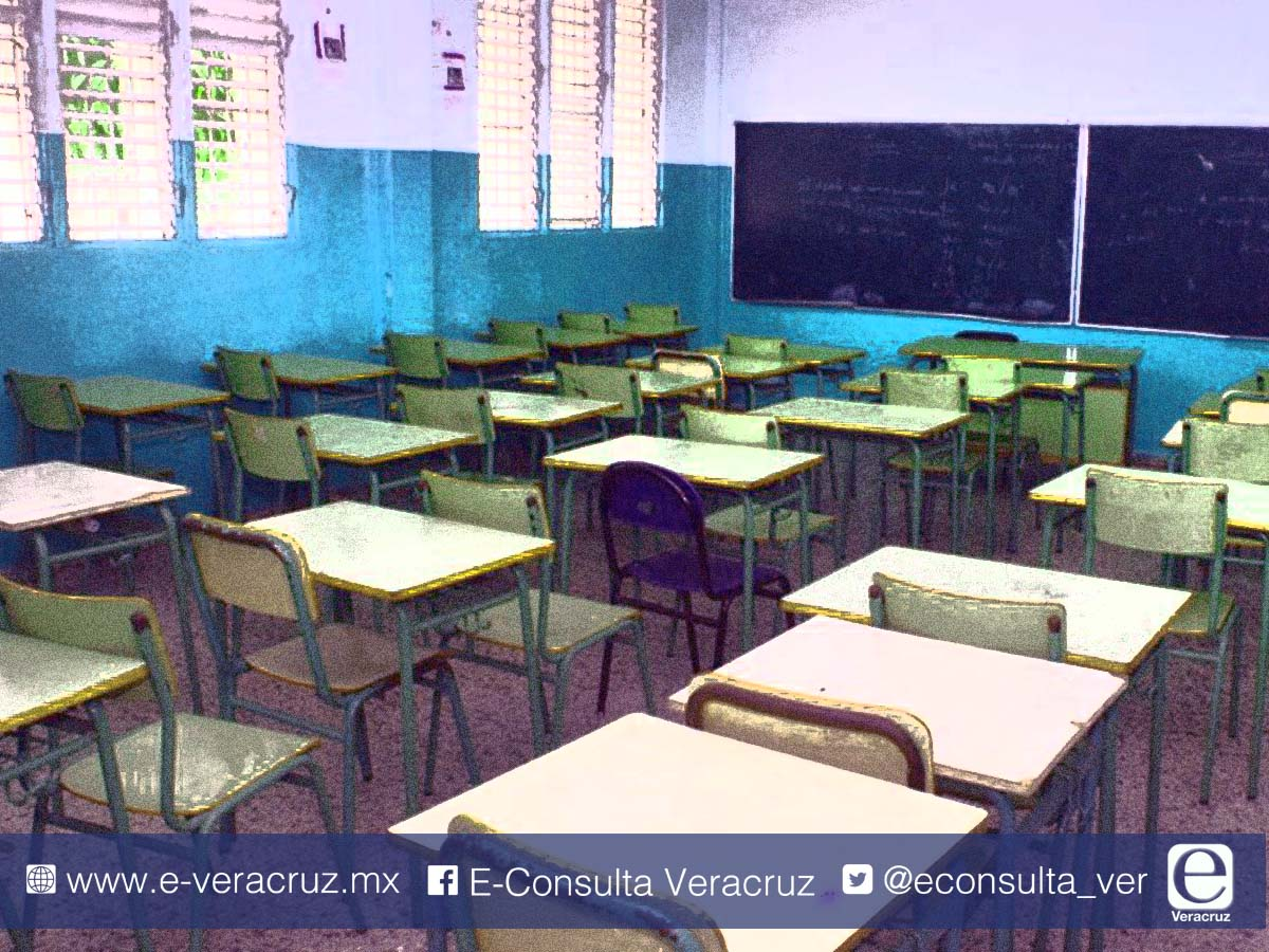 """SEP despidió a """"aviadores"""" y reubicó a maestros en Veracruz"""