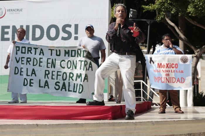 Marchan exigiendo la defensa de la seguridad social