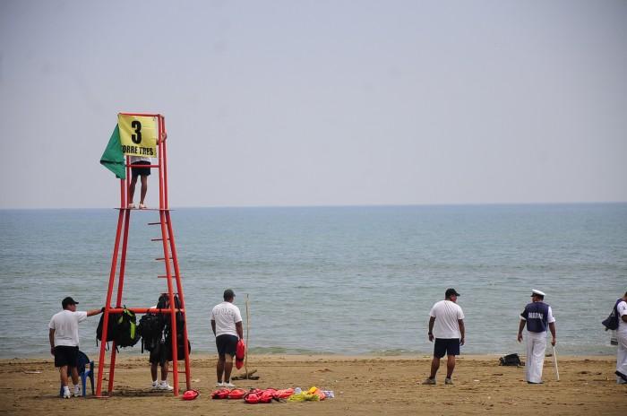 Rescatan a cuatro turistas en playas de Boca del Río