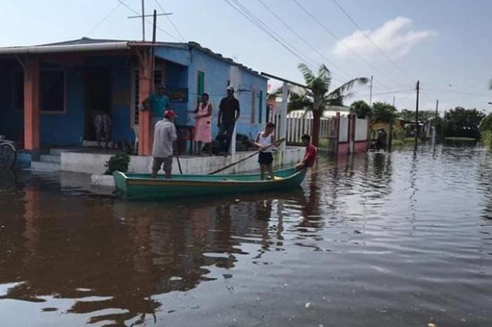 Inundaciones en Lerdo de Tejada por desbordamiento del Río San Agustín