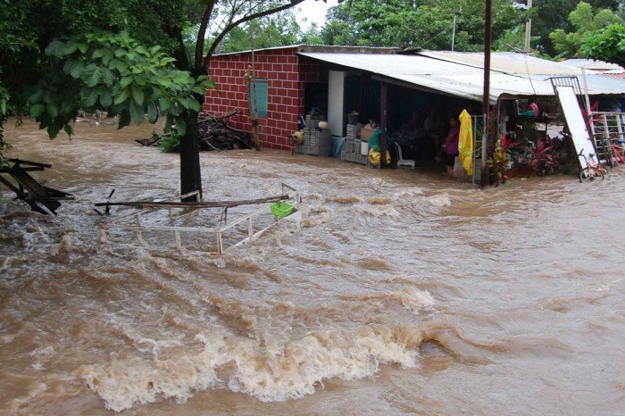 Desborde de ríos inunda tres comunidades en San Andrés Tuxtla