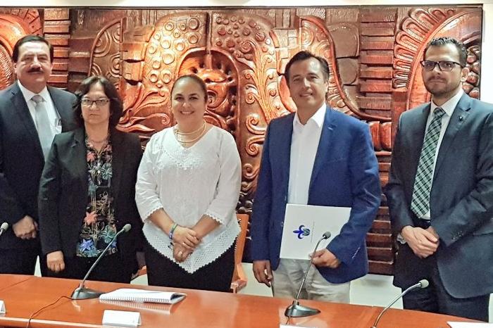 Rectora UV invita a Cuitláhuac García para inaugurar ciclo escolar