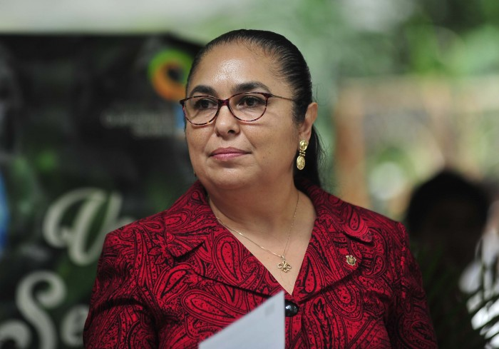 Rectora pide a legisladores no