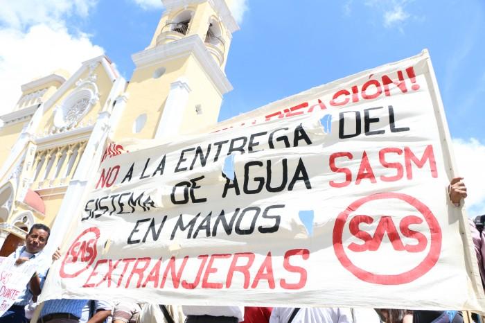 Extrabajadores del SAS suspenden marcha