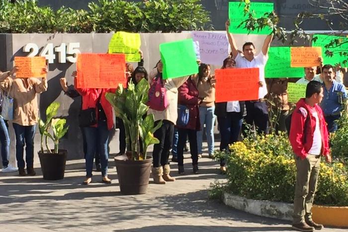 Ahora en Córdoba: llegan al SAT a trabajar y les impiden la entrada