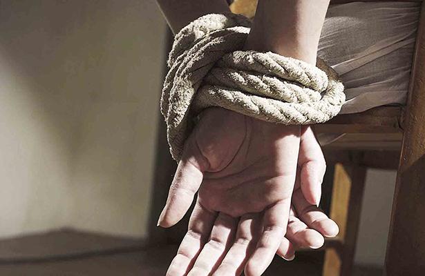 Rescatan a tres personas privadas de la libertad, en Nogales y Maltrata