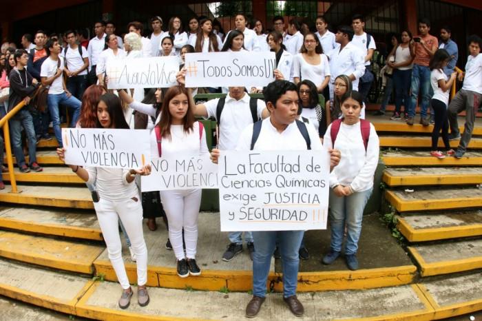 Comunidad universitaria exige a Yunes garantizar seguridad