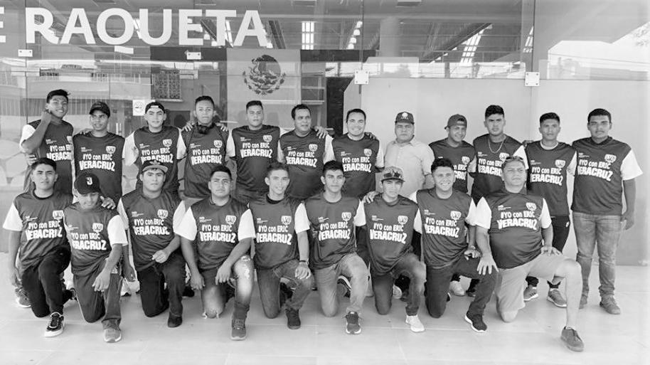 Selección de béisbol de Veracruz durmió en la calle