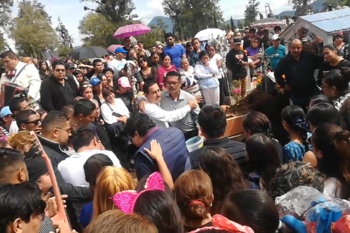 Despiden a hermanos asesinados por policías en Orizaba (videos)
