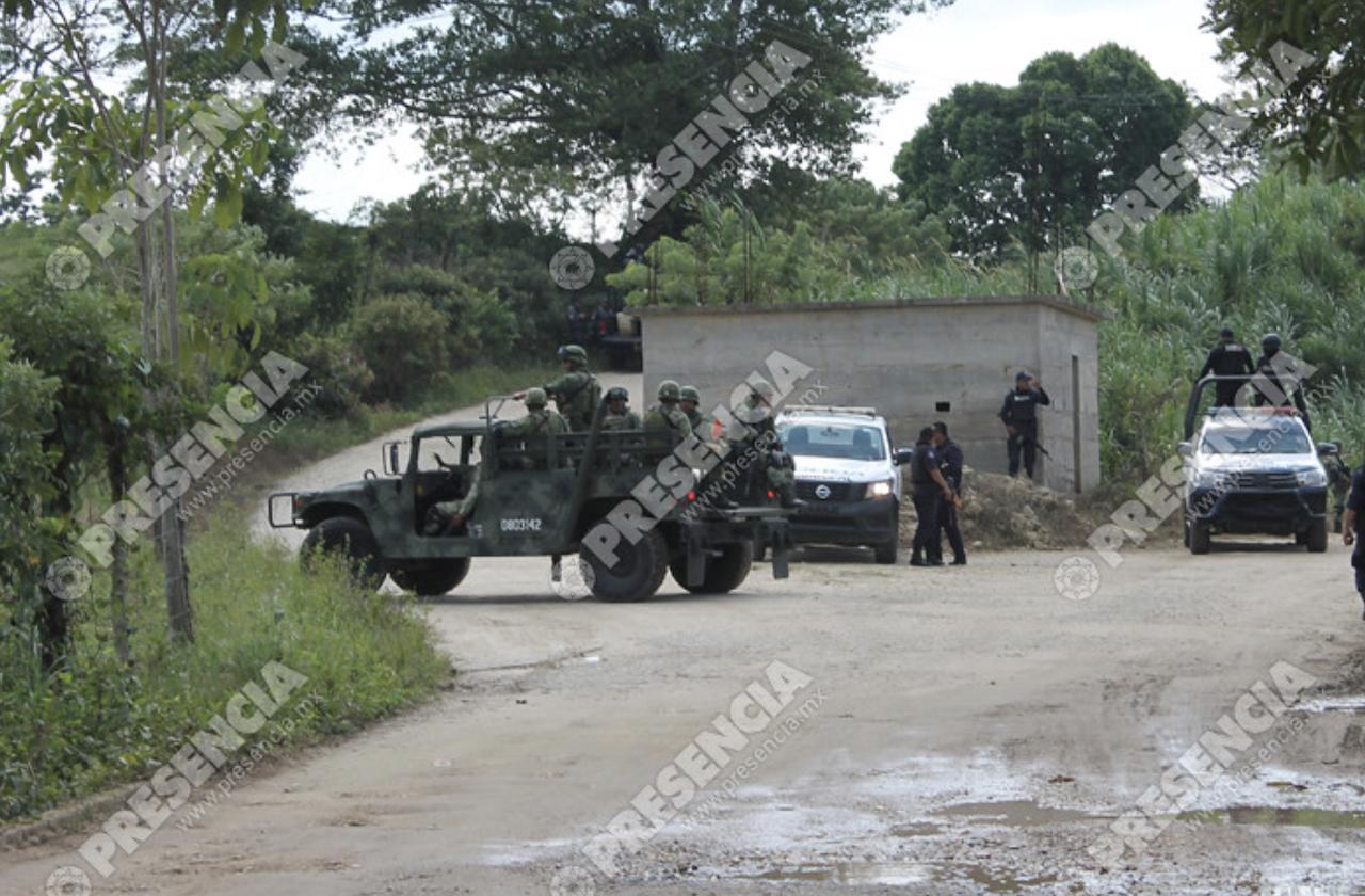 Sedena destruye bunkers de autodefensas, en Las Choapas