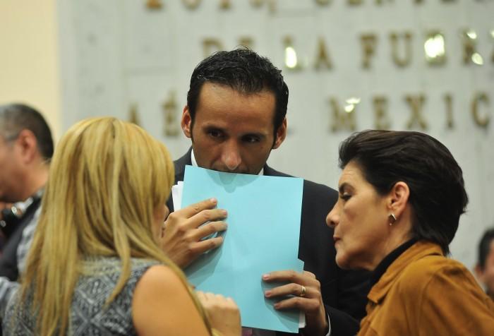 El PAN le echa la bolita a la UV por titulo exprés a Rogelio Franco