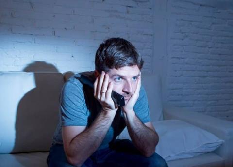 Ser adicto a series por internet traería trastornos psicológicos