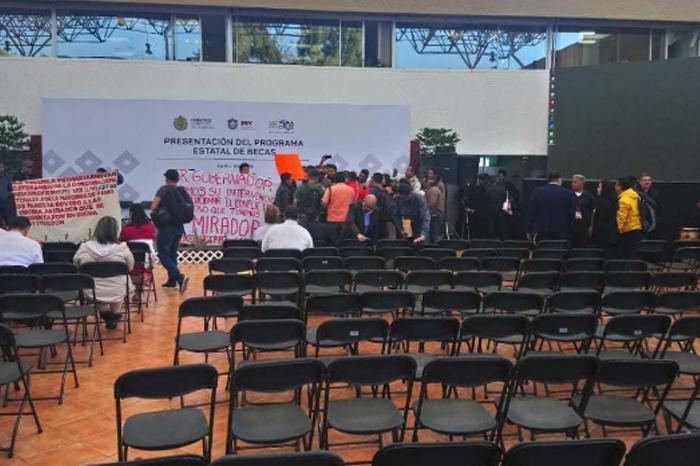 Conflicto por defensa del idioma en escuela de Chicontepec, piden a SEV intervenir