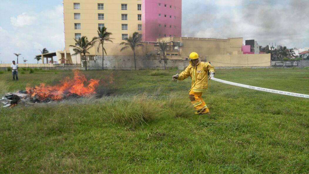 Realizan simulacro en hotel porteño previo a temporada vacacional