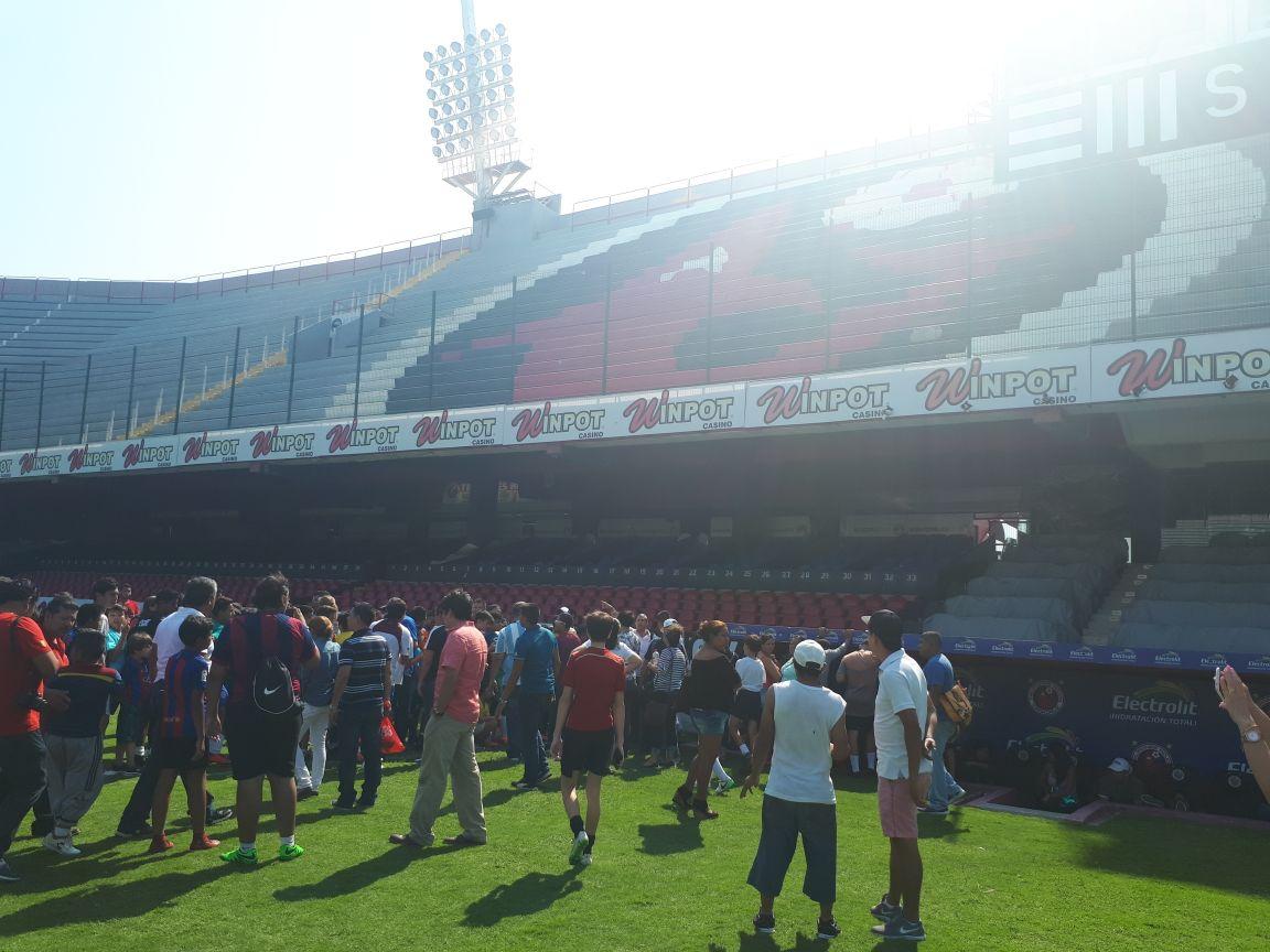 Cancela Ronaldinho partido en Veracruz
