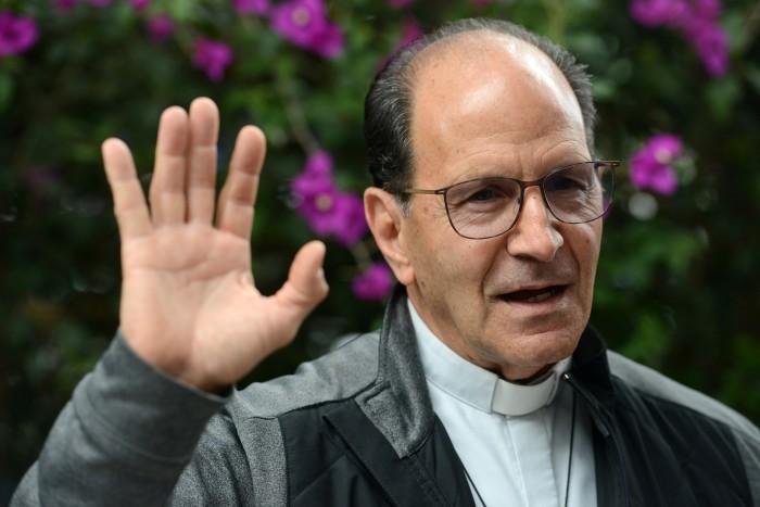 Obispos acallaron información de fosas porque recibieron favores de Fidel y Duarte: padre Solalinde