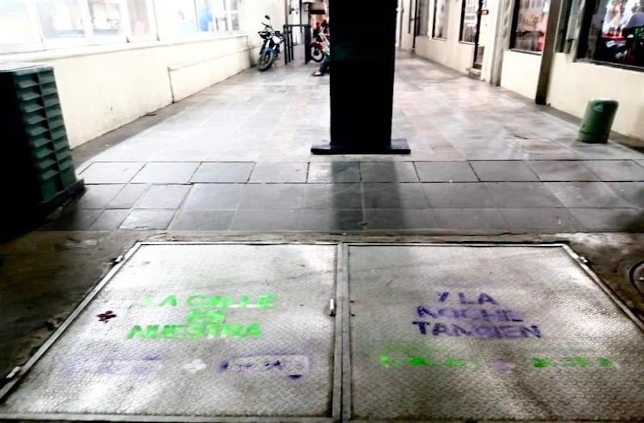 Calles de Veracruz amanecen con mensajes de sororidad