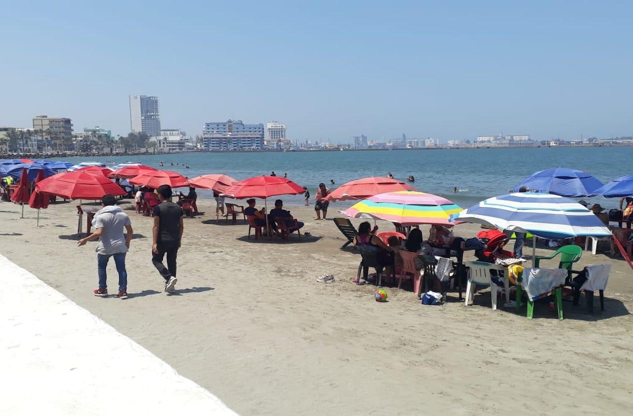 SSA recomienda no ir a playas de municipios en semáforo rojo